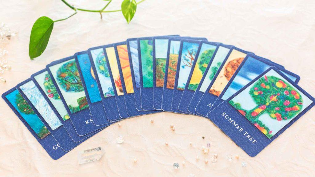 フランスのエズ村で生まれた美しい絵でご自身の感性を彩るライフツリーカード